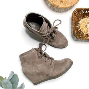 MADDEN GIRL Dallyy Suede Lace Up Wedge Bootie